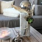 KL24 - Kleine Holzsäule, gebeizt und weiß gebürstet, dekoriert mit Materialien aus der Natur, großer Edelstahlkugel und einer künstlichen Sukkulente! Preis 44,90€