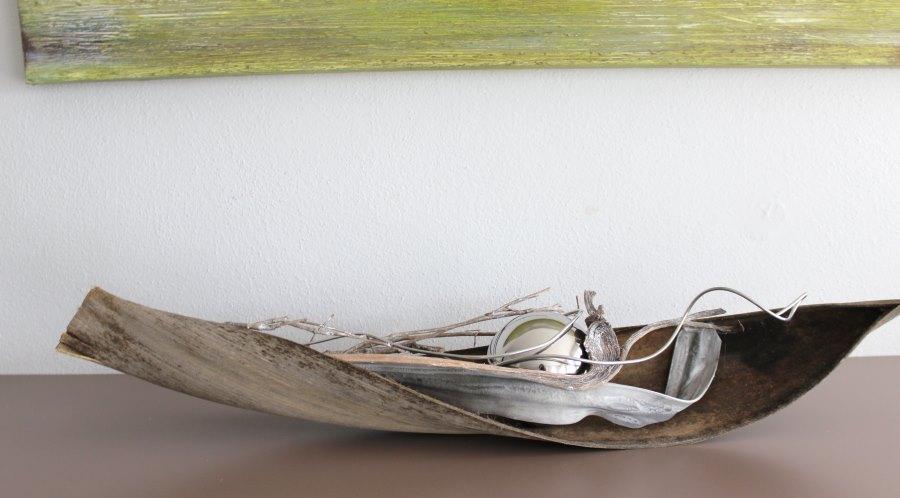 TD01 – Kokosblatt als Tischdeko! Dekoriert mit einer großen Edelstahlkugel und natürlichen Materialien! Preis 39,90€