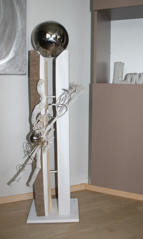 GS96 - Große Säule für Innen und Außen! Große gespaltene Säule, dekoriert mit Materialien aus der Natur, Filzband, einer kleinen Edelstahlkugel und einer großen Edelstahlkugel die herausnehmbar ist! Preis 149,90€ Höhe ca. 115cm