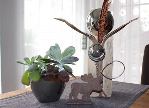 KL16 – Kleine Dekosäule! Altes Holz natürlich dekoriert mit einer Großen und kleinen Edelstahlkugel! Preis 44,90€