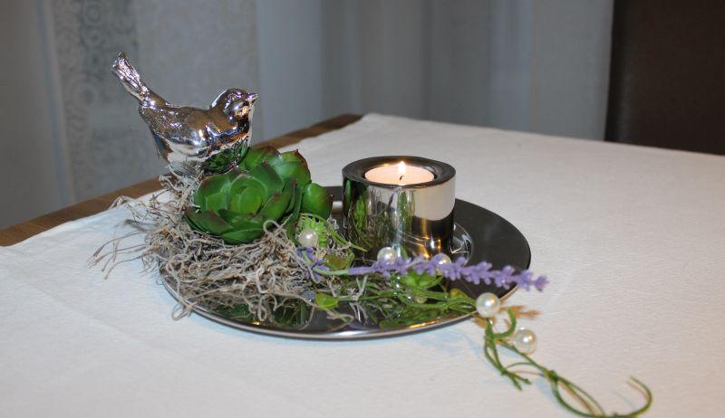 TD101 - Zeitlose Tischdeko! Künstliche Sukkulenten, Perlen und ein siberfarbener Vogel, dekoriert auf einem Edelstahlteller! Preis 34,90 Durchmesser 20cm Teelichhalter aus Edelstahl 5,90€