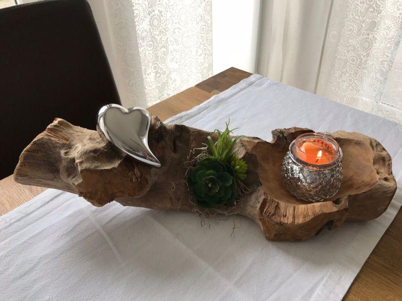 TD188 - Teakholzwurzel dekoriert mit künstlichen Sukkulenten, einem silberfarbigen Herz! Preis 44,90€ - Preis OHNE Teelicht