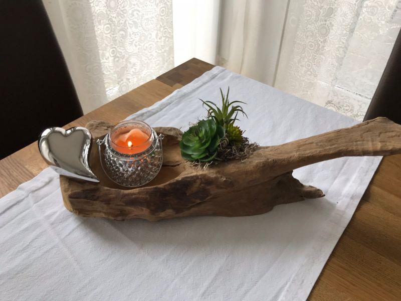 TD191 - Teakholzwurzel dekoriert mit künstlichen Sukkulenten, einem silberfarbigen Herz! Preis 44,90€ - Preis OHNE Teelicht