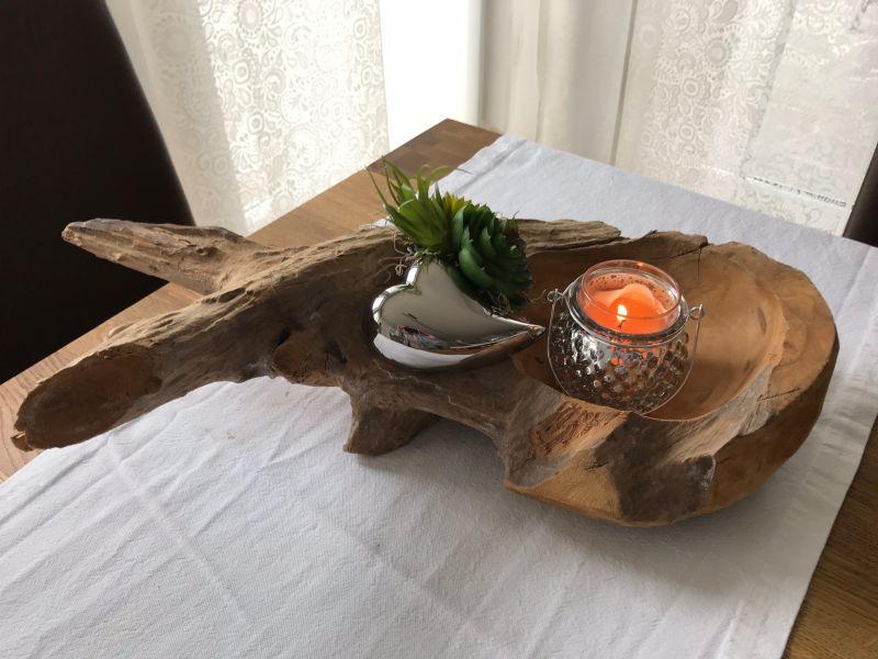 TD193 - Teakholzwurzel dekoriert mit künstlichen Sukkulenten, einem silberfarbigen Herz! Preis 44,90€ - Preis OHNE Teelicht