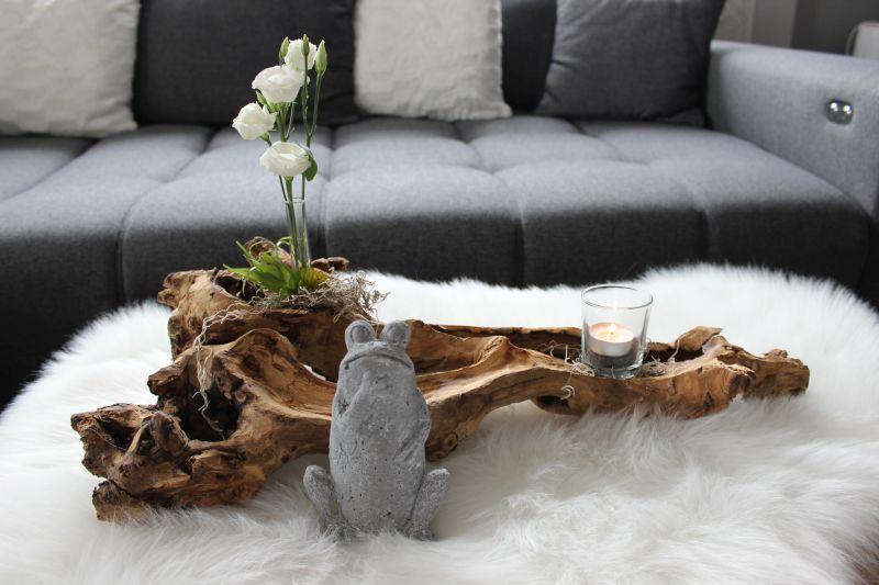 TD205 - Teakholz dekoriert mit künstlichen Sukkulenten, Teelichtglas und einem Reagenzglas als Vase! Preis 29,90€ Breite ca. 60cm Jedes einzelne ein Unikat! Frosch 4,90€