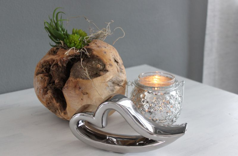 TD202 - Teakholzkugel dekoriert mit Kunstmoos und künstlichen Sukkulenten! Preis 19,90€ Durchmesser ca.15cm Teelichtglas 3,50€