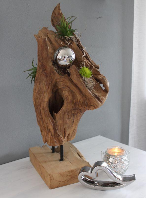TD201 - Teakholzstanddeko, dekoriert mit einer Edelstahlkugel, künstlichen Sukkulenten und Kunstmoos! Preis 74,90€ Preis ohne Deko 64,90€ Höhe ca. 45cm