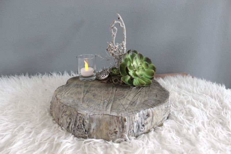 TD180 - Betonscheibe in Holzoptik, dekoriert mit Ornamentherz, Teelichtglas, natürlichen Materialien und künstlicher Sukkulente! Preis 34,90 Durchmesser ca. 30cm