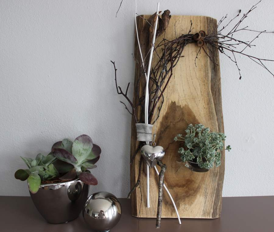 wd4 wanddeko aus altem holz holzbrett nat rlich dekoriert mit einem edelstahlherz und glas zum. Black Bedroom Furniture Sets. Home Design Ideas