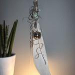 WD42 - Edle Wanddeko! Großes Kokosblatt, weiß gebeizt, natürlich dekoriert mit einer Edelstahlkugel und einer künstlichen Sukkulenten! Preis 49,90€
