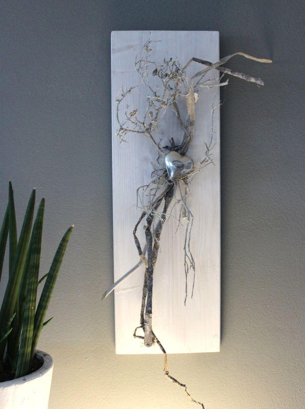 WD118 - Zeitlose Wanddeko! Holzbrett weiß gebeizt, dekoriert mit natürlichen Materialien und einem Edelstahlherz! Preis 39,90€ Größe 20x60cm