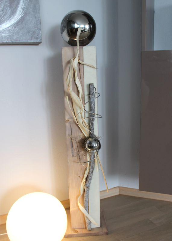 GS92 - Große Säule, cappuchinofarbig gebeizt, natürlich dekoriert mit einer großen und kleinen Edelstahlkugel, Filzband und Naturmaterialien! Preis 94,90€ Höhe ca 100cm
