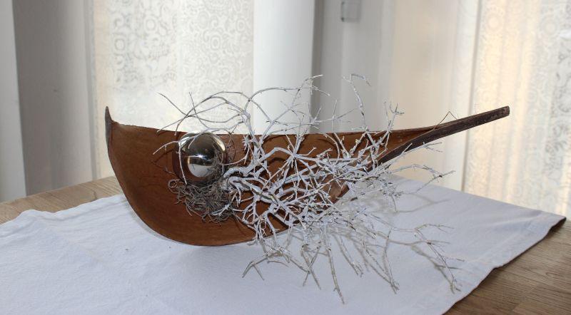 TD127 - Kokosblatt dekoriert mit natürlichen Materialien und einer Edelstahlkugel! Preis 14,90 € Breite ca 35 cm Größe und Form kann von Abbildung abweichen!