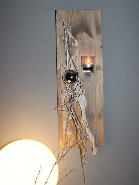 WD26 - Wanddeko aus neuem Holz! Holzbrett gebeizt und natürlich dekoriert mit einer Edelstahlkugel und Teelichtglas! Preis 39,90€