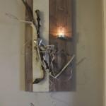 WD27 - Wanddeko aus neuem Holz! Holzbrett gebeizt und natürlich dekoriert mit einem Herz, Filzband und Teelichtglas! Größe 30x60cm - Preis 44,90€