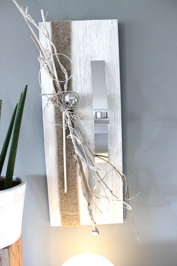 WD40 - Edle Wanddeko! Holzbrett gebeizt und weiß gebürstet, natürlich dekoriert mit Filzband, einer Edelstahlkugel und einer Edelstahlleiste die als Teelichhalter oder Blumenvase dient! (Reagenzglas) Größe 30x80cm - Preis 74,90€