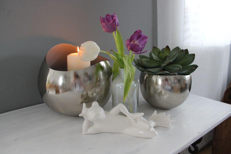TD244 - Windlichter aus massiven Metall innen glasiert! Preis 29,90€ Größe 18x16,5 cm Glasvase 14,90€ Höhe 20cm Keramikfrosch liegend 14,90€ Breite ca. 25cm