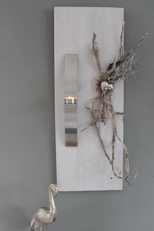 WD125 - Elegante Wanddeko! Neues Holz weiß gebeizt , dekoriert mit natürlichen Materialien, einem Edelstahlherz und einer Edelstahlleiste die als Teelichthalter und Vase verwendet werden kann! ( Reagenzglas) Größe 30x80cm Preis 74,90€