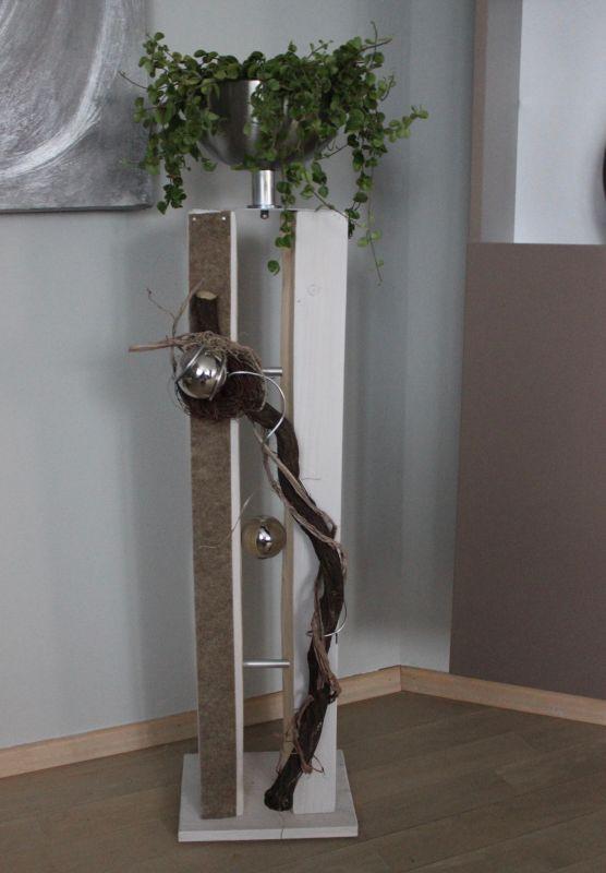 GS122 - Große gespaltene Säule für Innen und Außen! Große gespaltene Säule, dekoriert mit natürlichen Materialien, Filzband, Edelstahlkugel und einer Edelstahlschale! Preis 119,90 € – Mit Beleuchtung 129,90€ Höhe ca 105cm