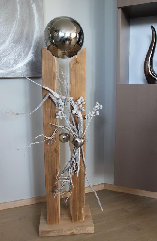 GS124 - Große gespaltene Säule aus altem Holz, dekoriert mit Materialien aus der Natur, einem Edelstahlherz, einer kleinen und einer großen Edelstahlkugel die herausnehmbar ist! Preis 169,90€ Höhe ca. 110cm