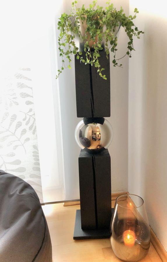 GS127 - Große exclusive Dekosäule! Zweigeteilte Dekosäule verbunden mit einer Edelstahlkugel und einer Edelstahlschale ( Durchmesser 26cm) zum bepflanzen oder als Kerzenhalter! Preis 159,90€ Höhe ca 105cm