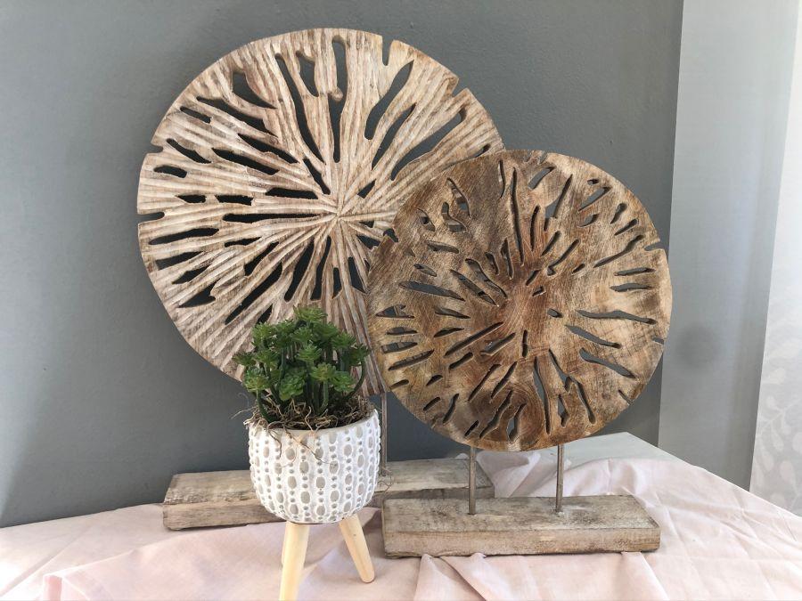 TD547 - Standdeko aus Mangoholz Preis 34,90€ Größe ca. 40x29cm Zementtopf auf Holzfuß Preis 4,90€ Größe ca.8x11cm