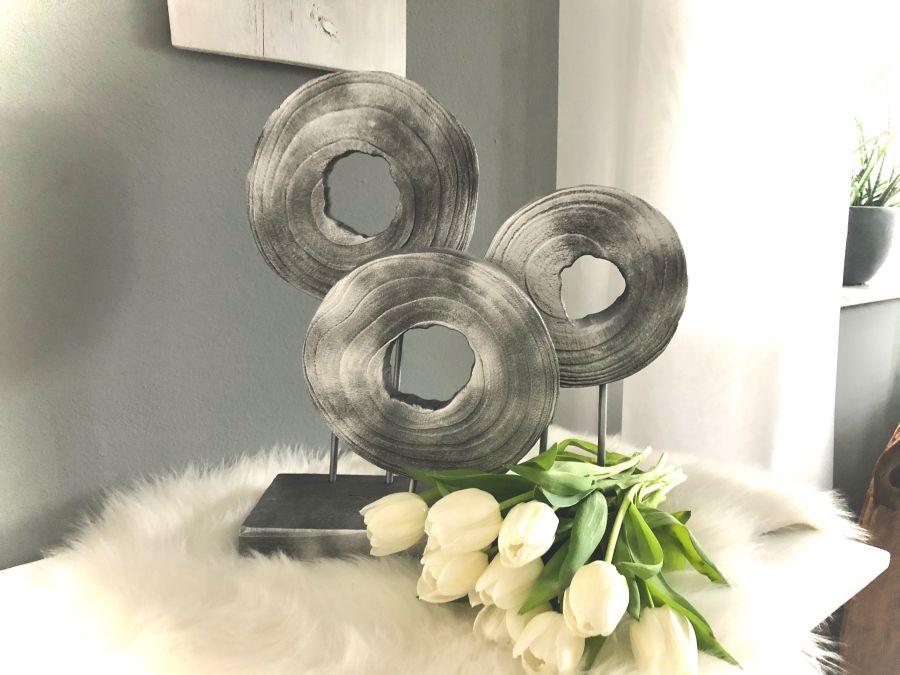 TD562 - Holzdeko-Ornament auf Sockel silberfarbig! Preis 54,90€ Größe 44x42x15cm