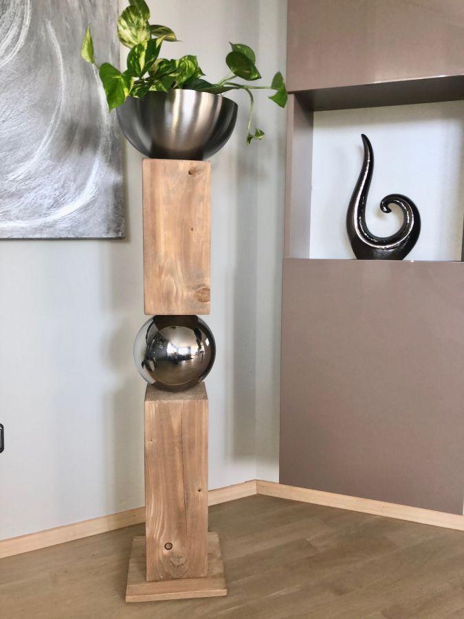 GS129 - Große exclusive Dekosäule! Zweigeteilte Dekosäule eichefarbig gebeizt, verbunden mit einer Edelstahlkugel und einer Edelstahlschale ( Durchmesser 26cm) zum bepflanzen oder als Kerzenhalter! Preis 159,90€ Höhe ca 105cm