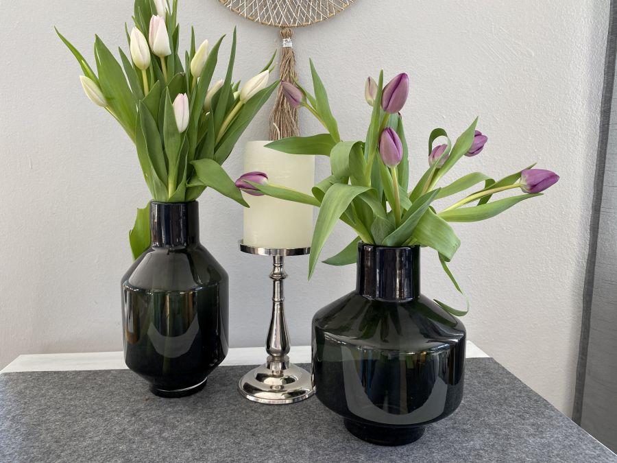 TD582 - Edle Blumenvase aus Glas (mundgeblasen)! Preis 34,90 Größe14x27cm (Vase im Bild links) oder 18x23cm Kerzenständer aus Metall! Preis 15,90€ (ohne Kerze) Größe 11,5x21cm