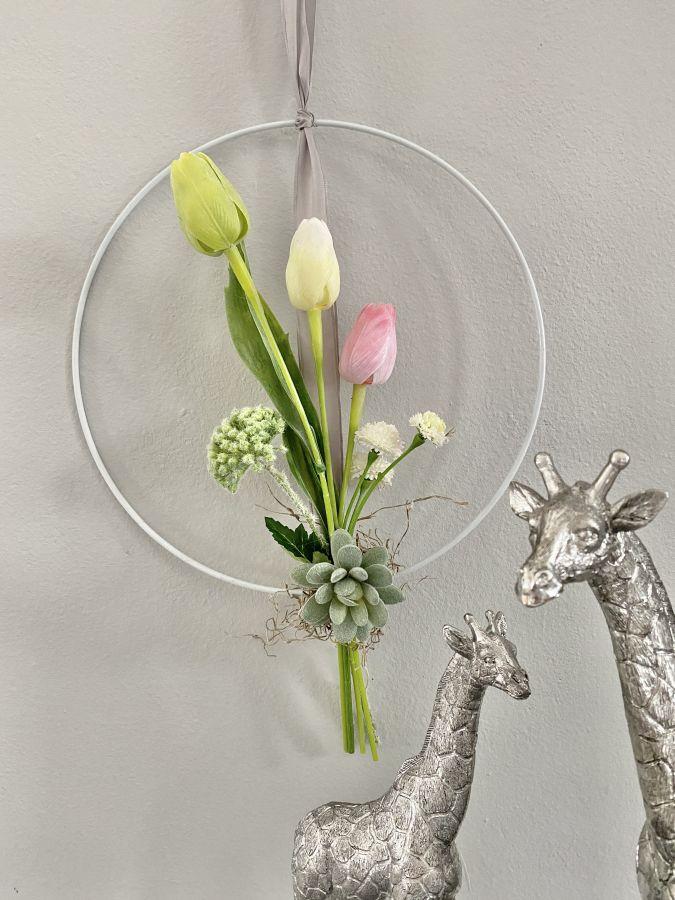 WD136 - Metallring als Wand oder Türdeko, dekoriert mit künstlichen Blumen! Preis 24,90€ Durchmesser 30cm Preis 29,90€ Durchmesser 40cm